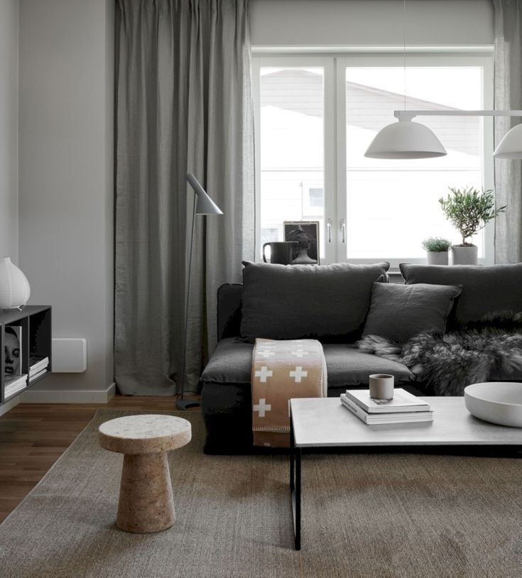 Nice 48 Awesomely Stylish Urban Living Rooms Design Ideas. More at https://trendecor.co/2017/12/29/48-awesomely-stylish-urban-living-rooms-design-ideas/