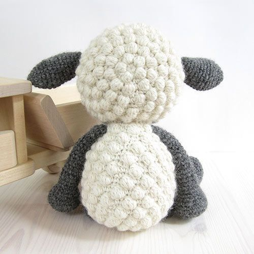 Cuddly sheep amigurumi crochet pattern by Kristi Tullus