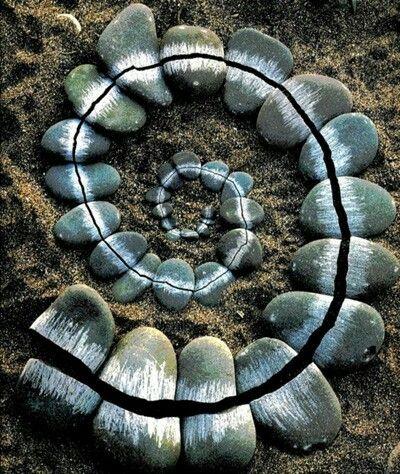 Beautiful a twist stone art