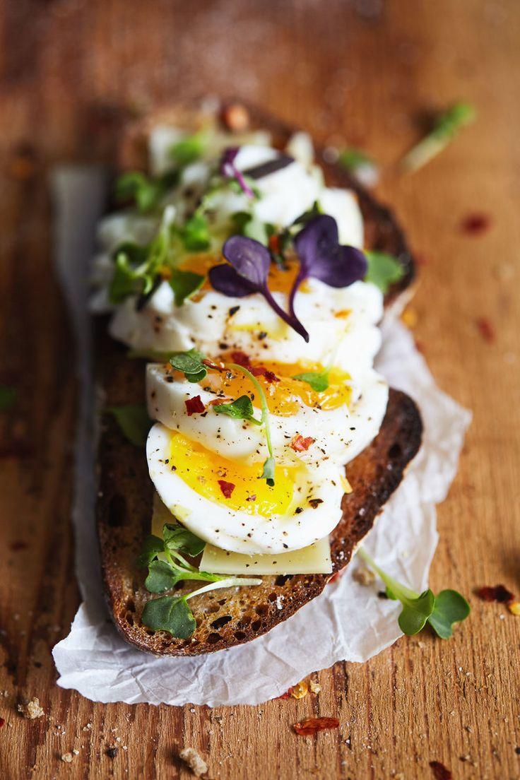 Easy Eggs on Toast by naturalgirlmodernworld #Breakfast #Eggs #Toast