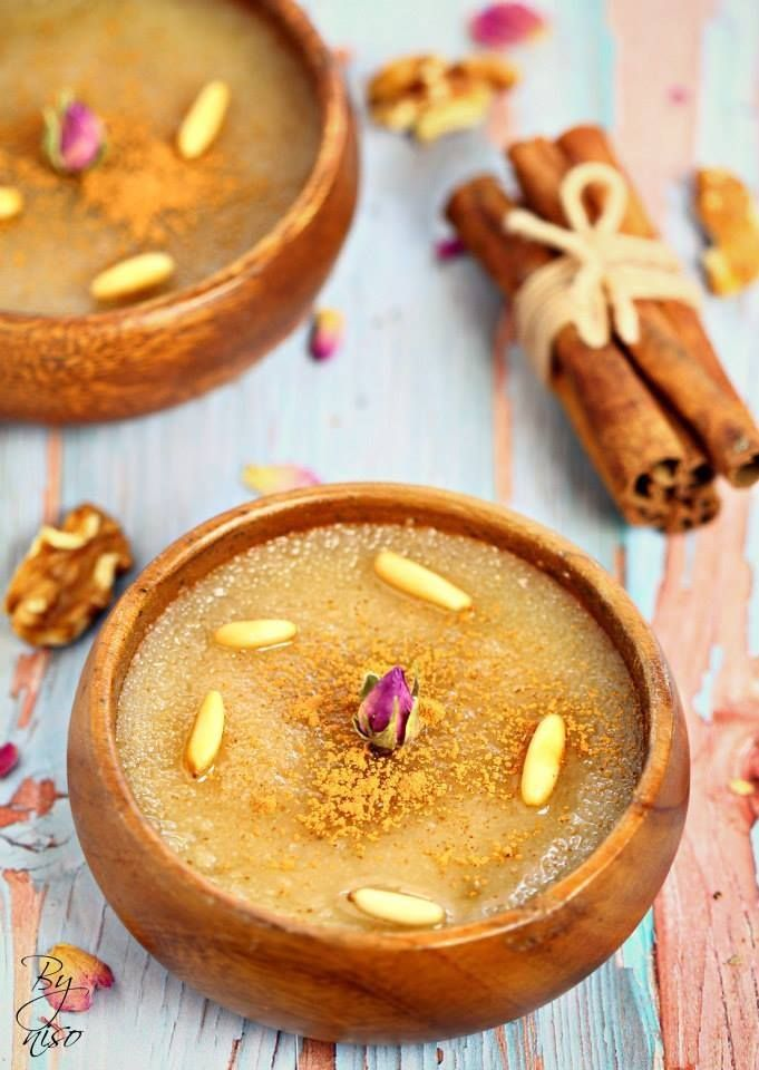 Mamonia was our recipe of the month in our Arabic flavor group, a recipe that comes from Syria/Aleppo city.A combination of smooth semolina pudding topped with