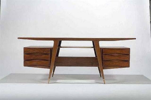 Executive Desk | Designer: Gio Ponti