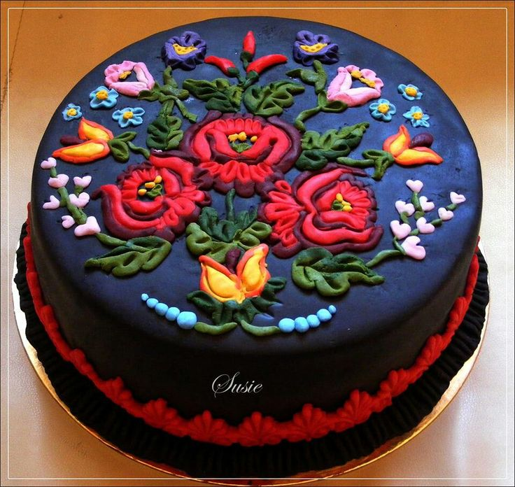 Hungarian embroidery design on frosting
