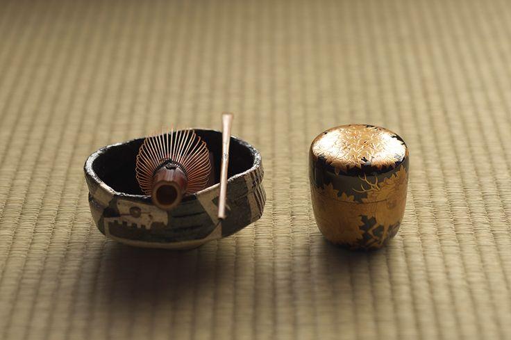 ・沓茶碗[江戸] ・蒔絵棗[昭和] ・茶杓[江戸]