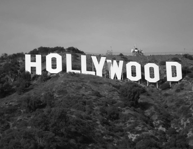 Hooray for Hollywood! Had fun watching the glam of the Oscars on Sunday. Fitting that we should be printing this black and white Hollywood mural this week right?
