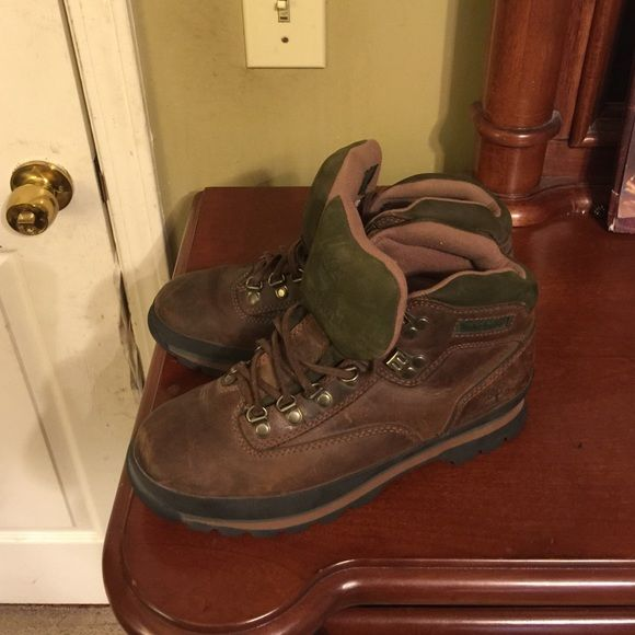 timberland hiking boots women's size 9 , very minimum wear Shoes Winter & Rain Boots