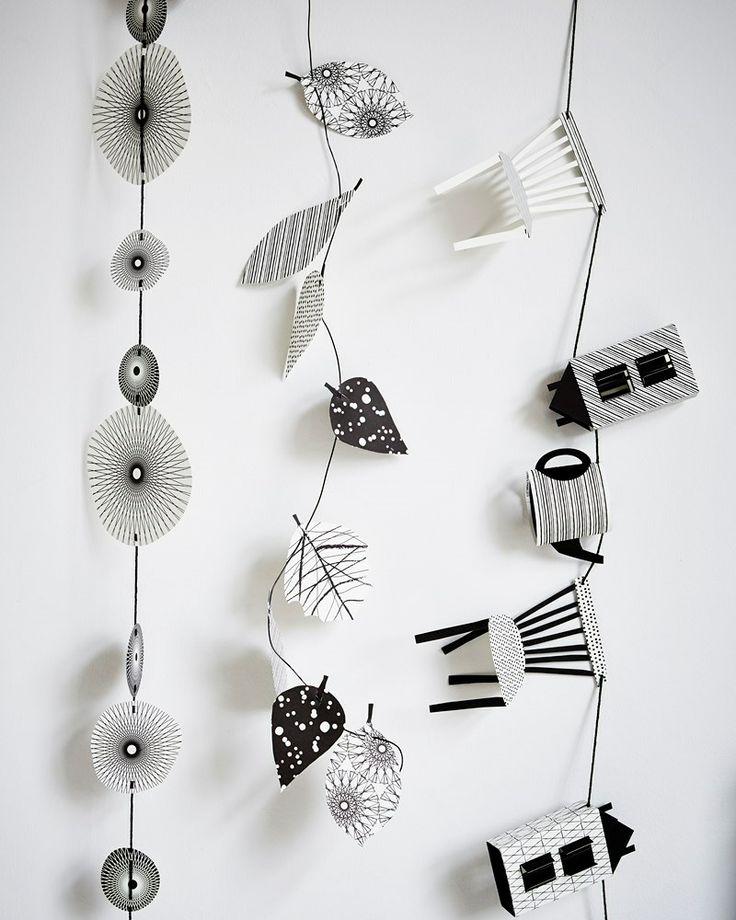 Styling: Fietje Bruijn | Photographer: Alexander van Berge | Design: Jurianne Matter vtwonen oktober 2013 #vtwonen #magazine #interior #paper #white #black #accessoires