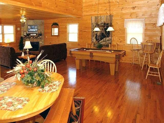 1000 images about pet friendly cabins of the smoky for Www cabins of the smoky mountains com