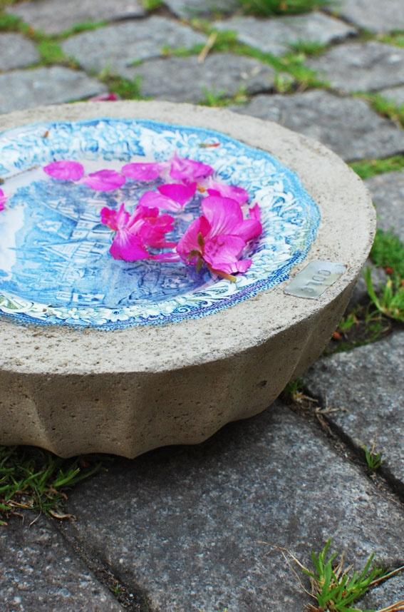 Schale aus Porzellan und Beton.
