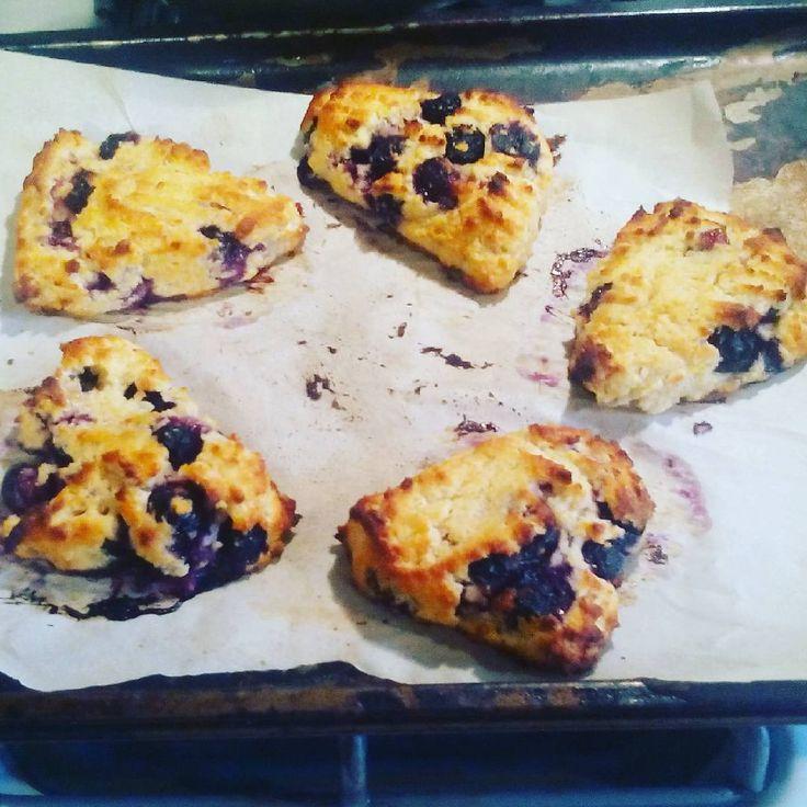 Downton night blueberry scones THM FP