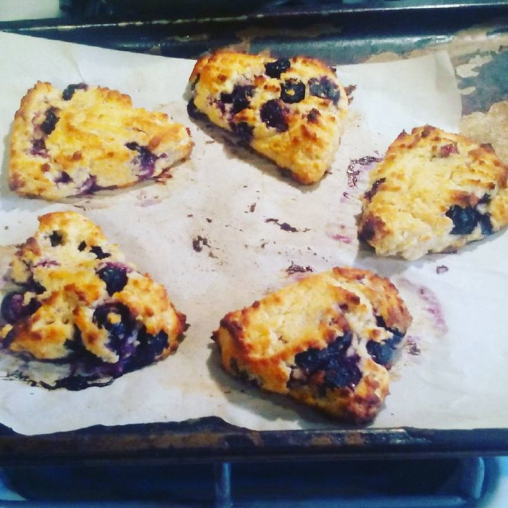 Downton night blueberry scones THM FP