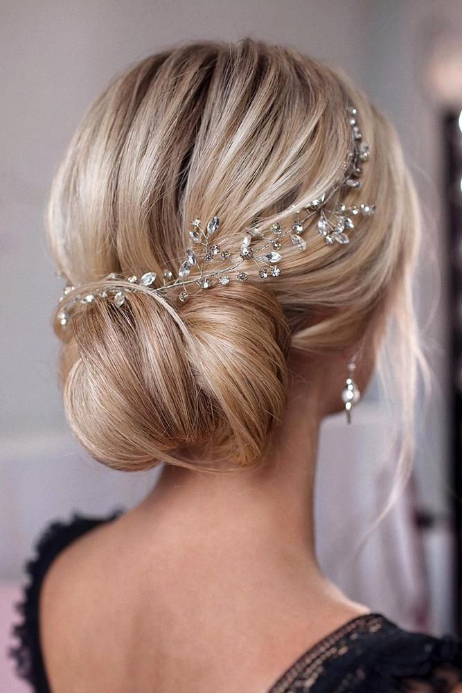 Mother Of The Bride Hairstyles 63 Elegant Ideas 2020 21 Guide Hair Vine Wedding Wedding Hair Head Piece Crystal Hair Vine