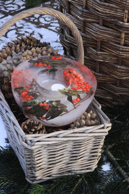 Sjarmerende jul: Rognebær islykt
