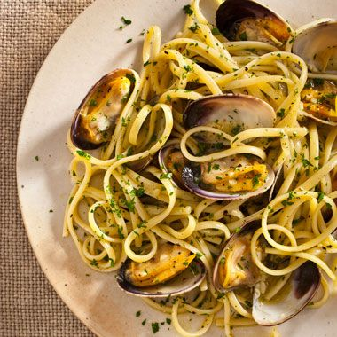 Linguine with Clam Sauce - My friend used canned clams & a dash of red pepper flakes. she loved it!