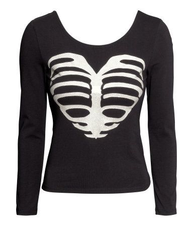 I thought ths jersey top would be cute for a minimal sugar skull/skeleton  costume