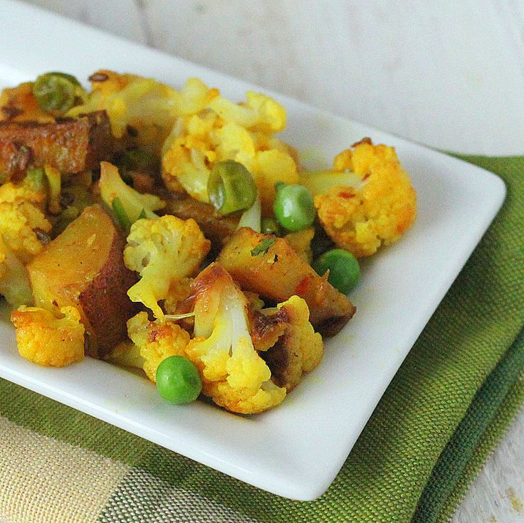 Vegan Aloo Gobi Matar (Potatoes, Cauliflower and Peas)