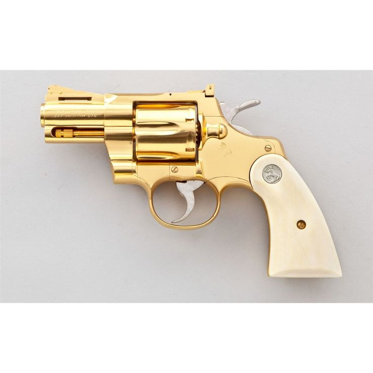 Gold plated Colt Python .357 Magnum. I WOULD LOVE A GOLD ...