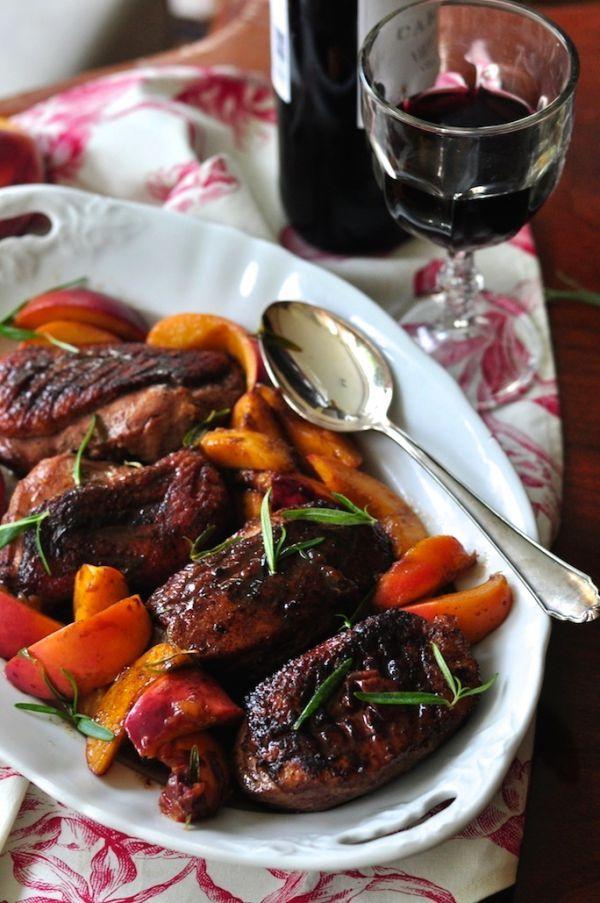 Kaczka z brzoskwiniami, rozmarynem i octem balsamicznym