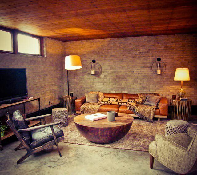 Modesta' Casa De Aaron Paul Está Disponível No Airbnb  Cosy Cave Cool Aaron Bedroom Set Review