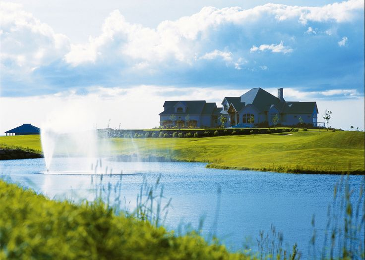 Private residences dot our golf course.