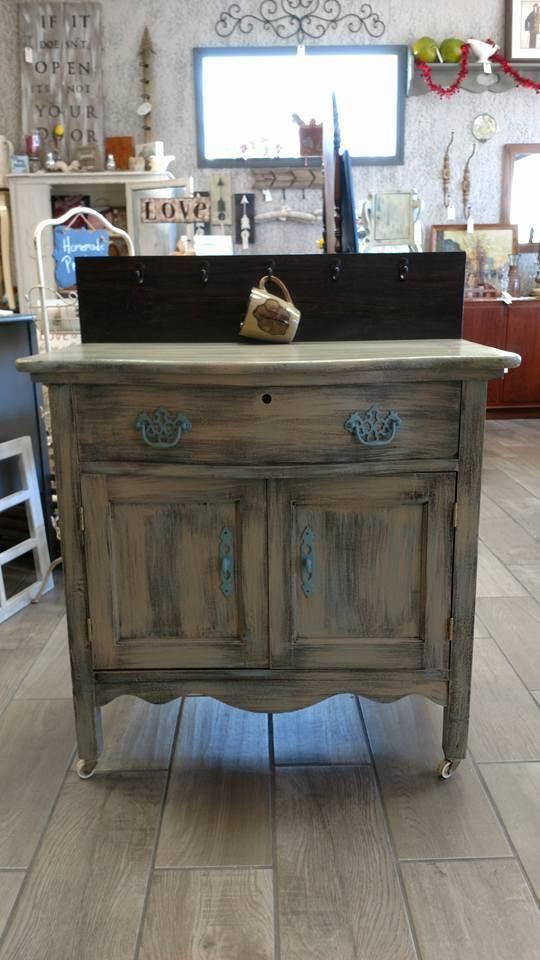 101 best Dixie Belle  Burlap  Painted Furniture  Furniture Makeover images on Pinterest