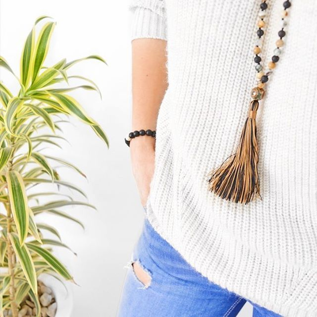 An idea of how to look simple and casual for this Saturday 😎📿 #MagiskaCo #handmade #boho #style #love #beautiful #instafashion #girls #bracelets #bracelet #braceletstacks #yogabracelet #malanecklace #necklace #yoganecklaces #accessories #jewelry #fashionlovers #armcandy #armparty #armswag #gemstones #bohochic #bohemianstyle #bohojewelry