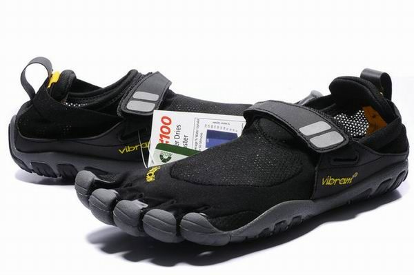 Vibram Five Fingers Men's TrekSport Black UK Sale at http://www.5shoes2u.co.uk/Vibram-five-fingers-TrekSport/Vibram-five-fingers-TrekSport-Black.html