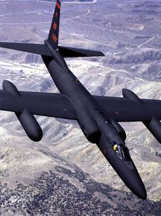 This image from April 2002 shows the first U-2S Dragon Lady modified under the Reconnaissance Avionics Maintainability Program over Tehachapi, California, on a test flight. Photo by Denny Lombard