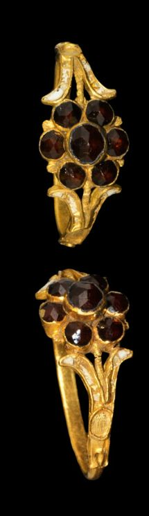 Tudor Gold and Ruby Renaissance Ring, 16th century A.D.