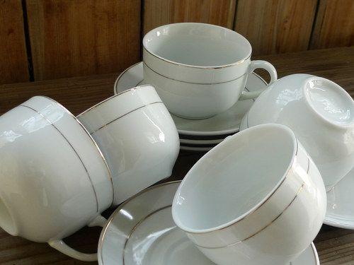V linkách ... čajová či kávová souprava