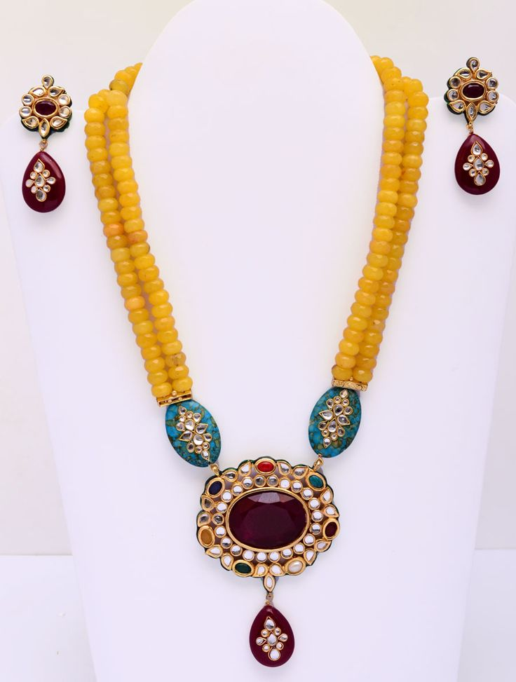http://www.styyo.com/exclusive-jewellery/neckwear/mala-and-necklace