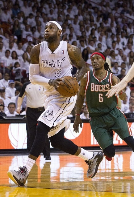 4/23/2013 LeBron drives past Marquis Daniels of the Milwaukee Bucks in Playoff Game #2. Heat won to go up 2 to 0 in the series!!!