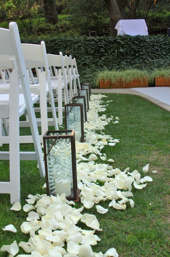 Hoa's blog: Then I 39d set the table with a simple taupe runner on ...