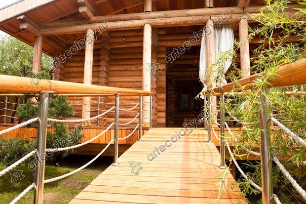 Вход на террасу бани