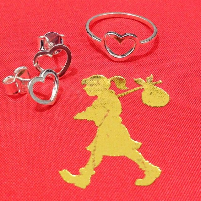 """""""Valentines day is just around the corner  Karen Walker open heart ring and earrings would be a cute little gift, so start hinting ladies !…"""""""