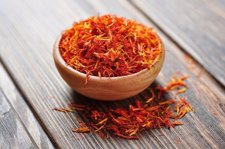 #Saffron or #kesar widely celebrated for its rich #aroma and strong #flavour has innumerable health benefits as well! It treats #depression and #anxiety. Cures #visionloss and #cancer. Boost #memory and even treats #insomnia. Good for the #skin and #teeth. Helps to treat acute #PMS. Soothes #fever and provides #arthritic relief.  #medhya #medhyaherbals #medhya_ingredients #eatclean #cleaneating #superfood #wellness #healthtips