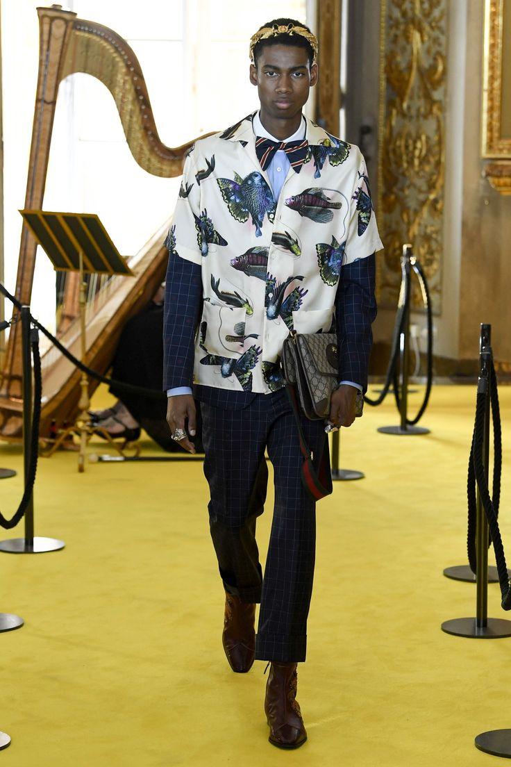Http Www Vogue Com Fashion Shows Resort  Gucci Slideshow Collection