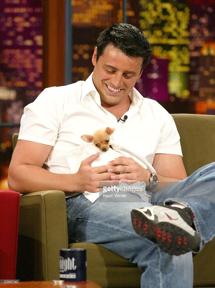 Matt LeBlanc, holding a chihuahua he was given as a gift from Jay Leno, at 'The Tonight Show with Jay Leno' at the NBC Studios in Burbank, Ca. Friday, August 2, 2002. Photo by Kevin Winter/ImageDirect.