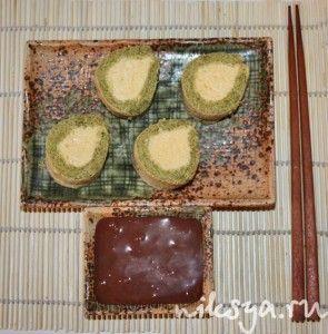 Десерт «Суши» с чаем матча и мороженым