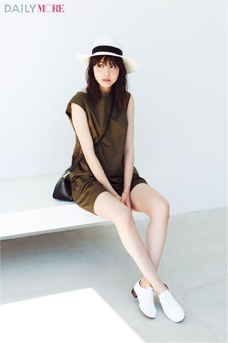 【今日のコーデ/佐藤ありさ】友達のイベントに行く日曜日は白小物で夏っぽさUP♪ | ファッション(コーディネート・流行) | DAILY MORE