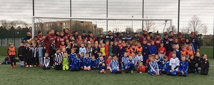 Varese export, Scuola calcio in Inghilterra  http://news.google.com/news/url?sa=t&fd=R&ct2=it&usg=AFQjCNFB1-eJV-WTzXuYHPjCYvVlwaC4Qg&clid=c3a7d30bb8a4878e06b80cf16b898331&ei=tEa4WMDwGZOO3AGq66_IAg&url=http://www.laprovinciadivarese.it/stories/Sport/varese-export-scuola-calcio-in-inghilterra_1226822_11/