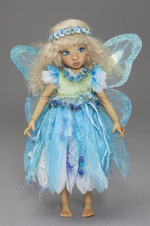 DIY: four colors and variations on a fairy dress, plus removable wings