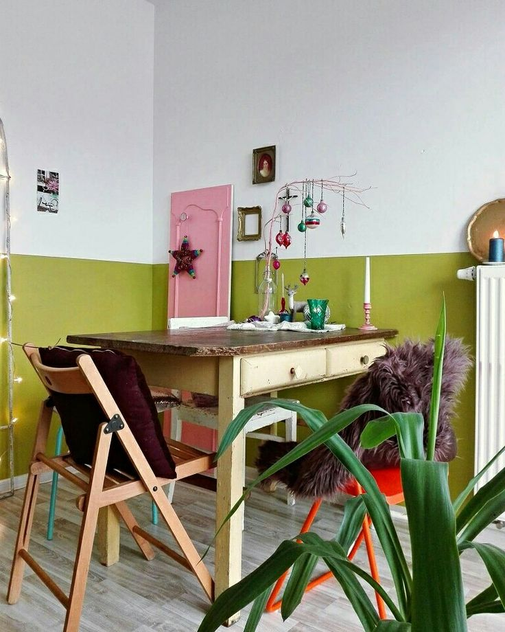 Eclectic diningroom in colourfull vintage style, love my home