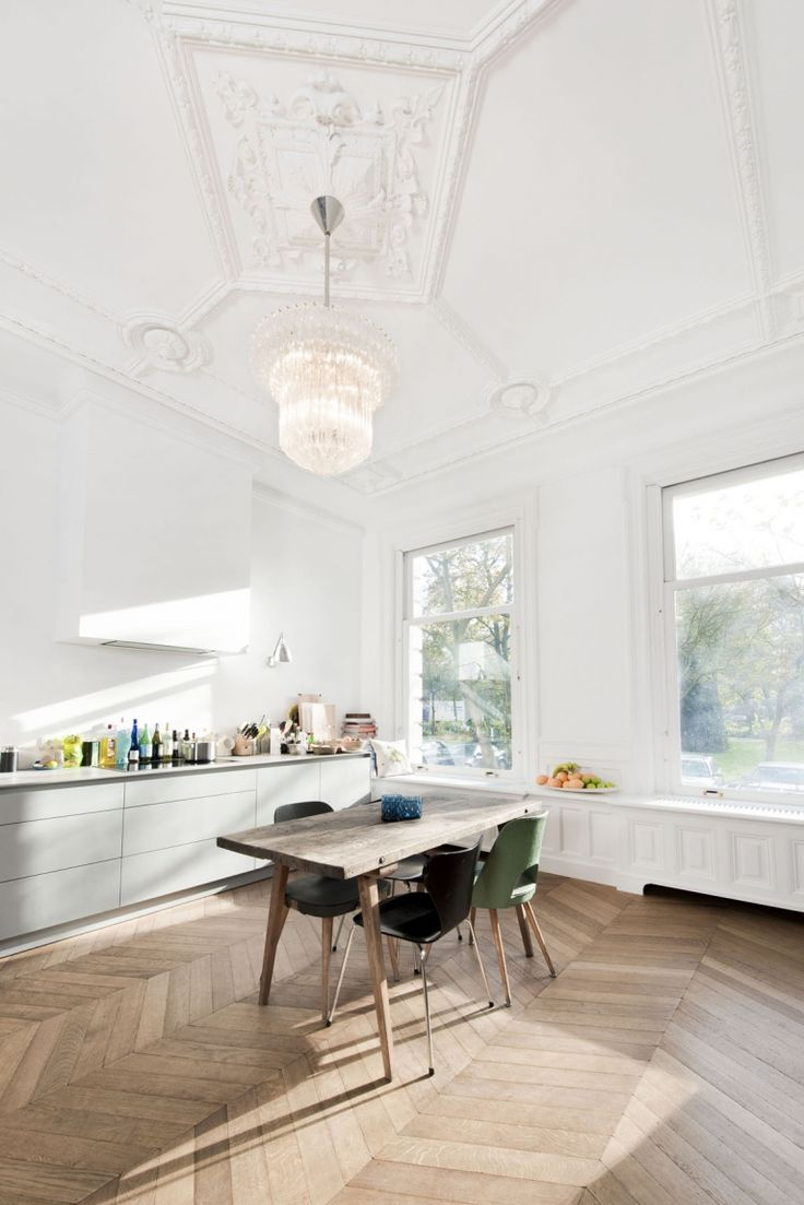 Keuken met houten vloer in hongaarse punt, Frederiksplein   Kodde Architecten