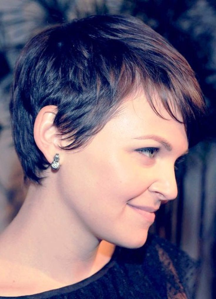 Ginnifer Goodwin Rear View Of Pixie Cut Back To Post
