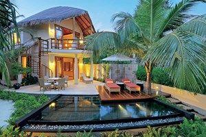 Il Constance Halaveli Resort è il luogo ideale per rigenerarsi in un'oasi di pace.  Un nascondiglio di lusso, un ambiente intimo e magico; scegli tra una delle ...