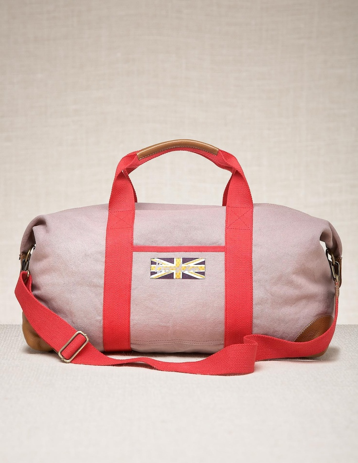 Pack for the Jubilee weekend with our Essential Weekend Holdall.