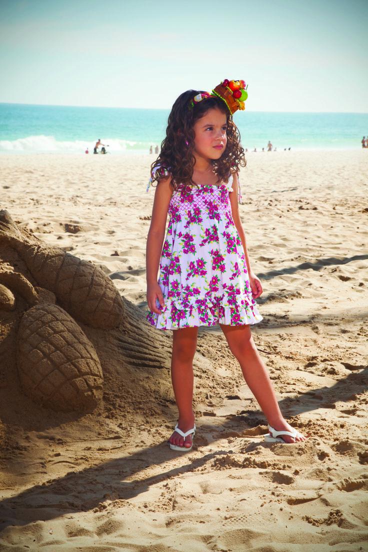 Fucsia para las niñas sobre divertidos vestidos estampados. #epkmegusta ¿Te gusta? Encuéntra este #vestido aquí: http://www.shopepk.com.co/index.php?page=shop.product_details&flypage=flypage.tpl&product_id=337&category_id=5&option=com_virtuemart&cat=1&Itemid=69