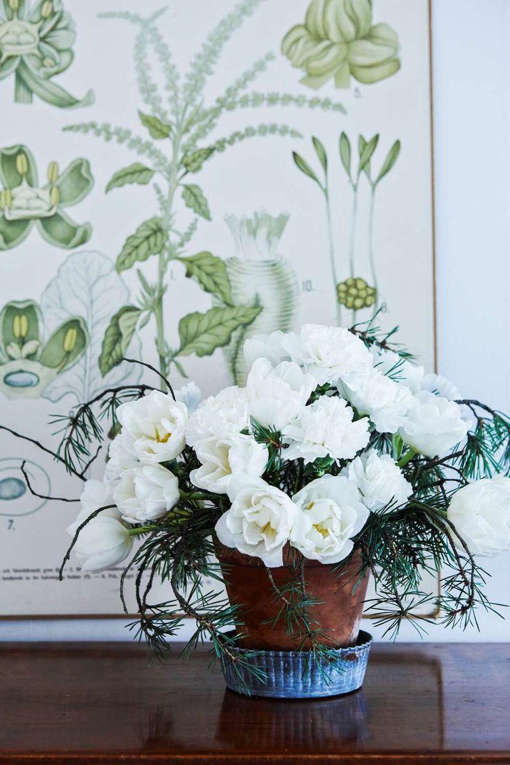 Pynta huset till jul med vackra blomarrangemang