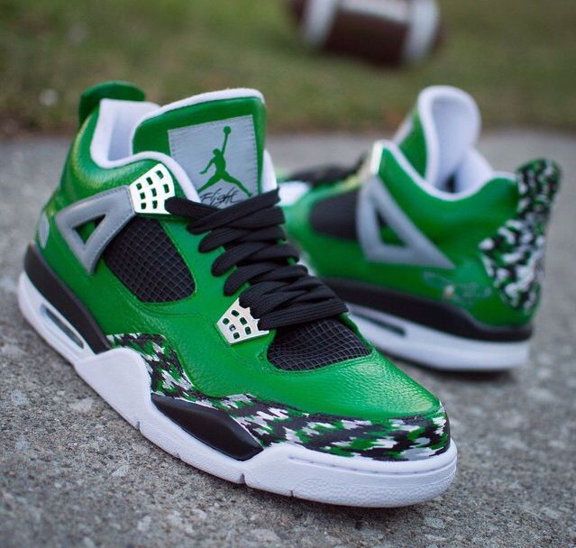 Custom 3s. Celtics or Eagles?